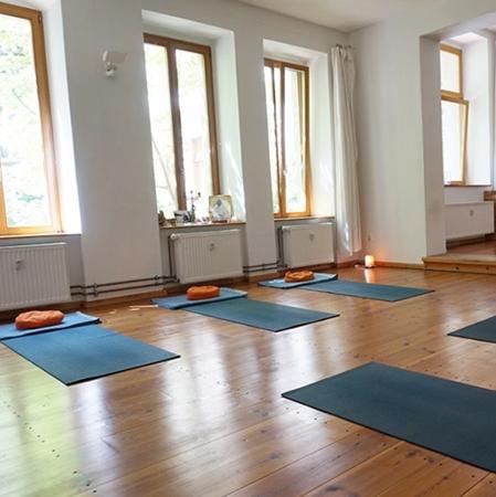 mittags Yoga 450 x 450